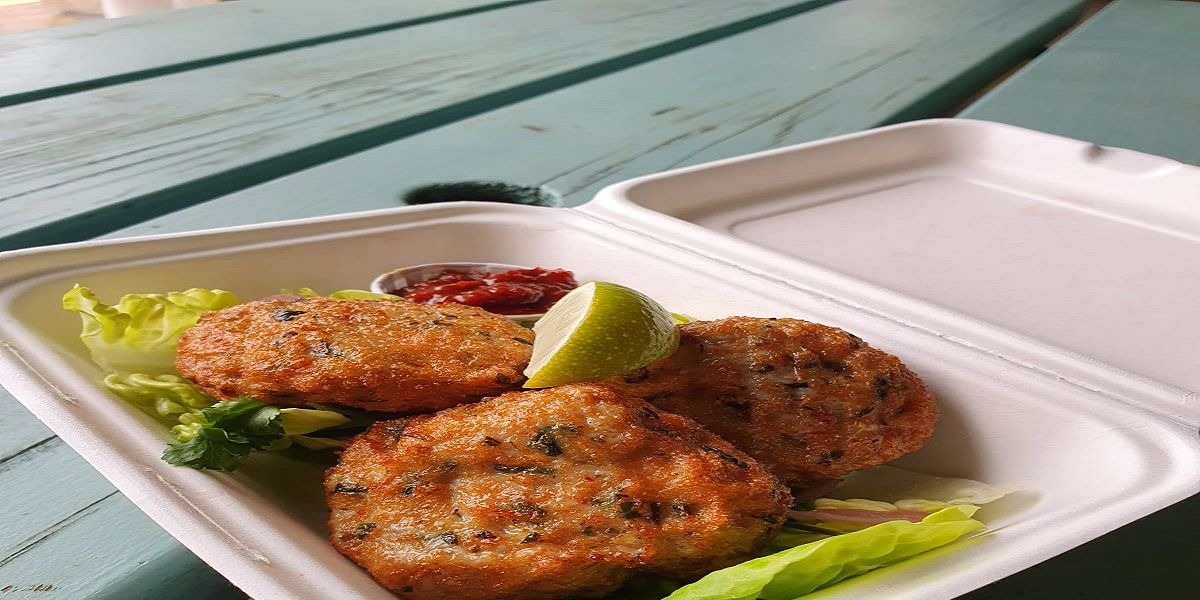 Thai fish cakes with a spicy relish